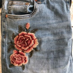 Pants - Embroidered jeans